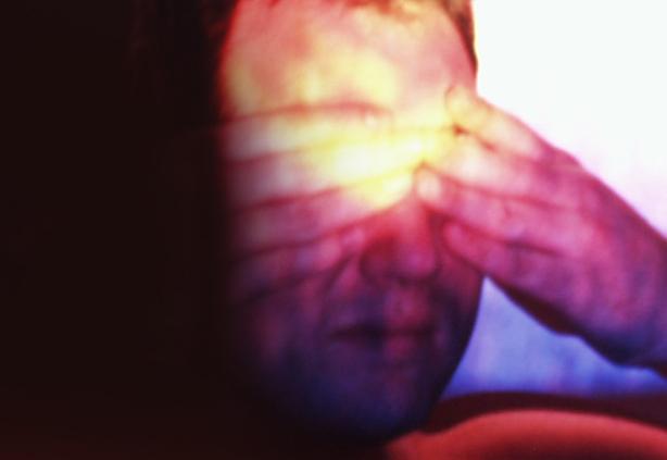 Lichtstimulationen - Projektion von digitalen Malereien auf den Körper